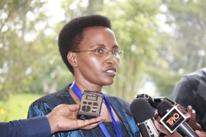 Dr-Joyce-Musabeumuyobozi-wungirije-ushinzwe-integanyanyigisho-mu-kigo-gishinzwe-uburezi-mu-Rwanda-REB