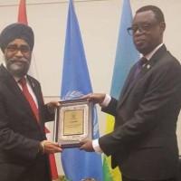 Visite du ministre de la Défense du Rwanda au Canada: une rencontre qui dérange