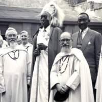 "Amabaruwa abagaragu b'i bwami banditse basubiza abahutu ngo ""ntacyo bapfana""."
