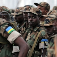 Paul Kagame asigaye ari mu gucuruza abana (abasirikari) b'u Rwanda nk'abacakara